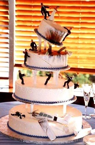 strange-disaster-wedding-cake1.jpg
